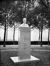 Busto Victor Ugo